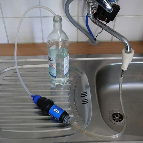 Mit Outdoor-Wasserfilter Leitungswasser filtern