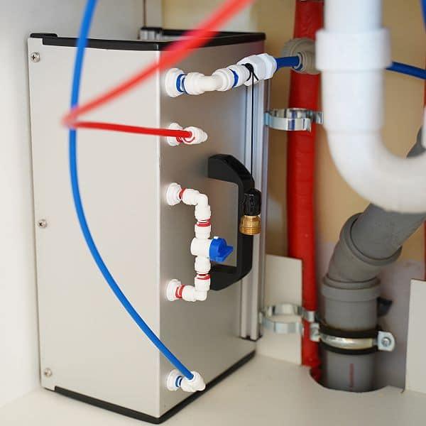 Osmose-Modul unter Küchenspüle
